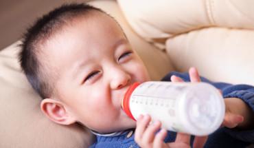 Cách Pha Sữa Cho Trẻ Sơ Sinh