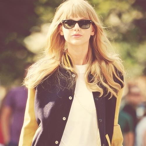 ... và Taylor Swift
