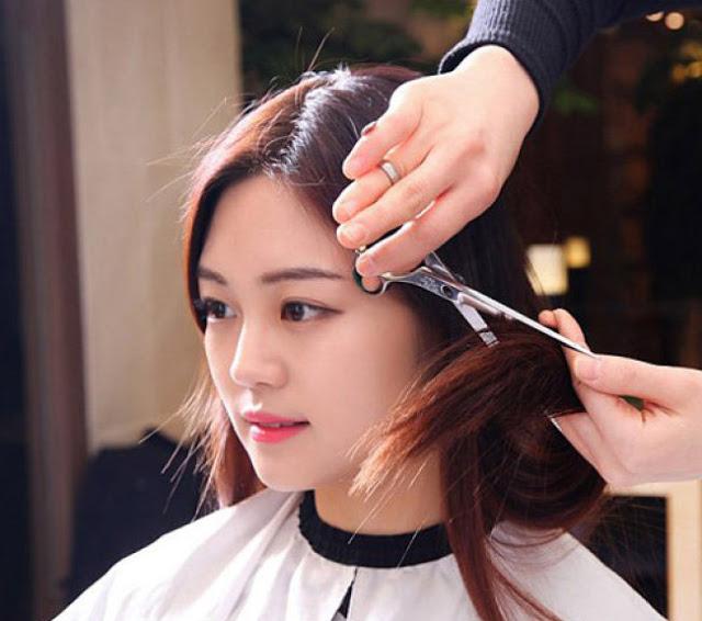 Cắt tóc cũng là 1 cách làm tóc mọc nhanh dài và dày