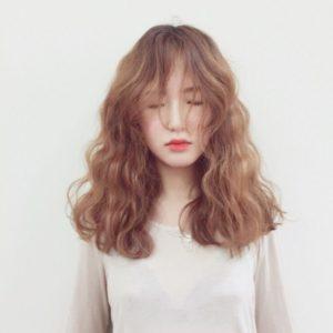 uốn tóc bao lâu thì gội đầu
