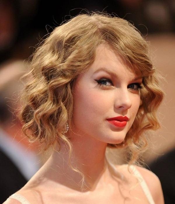 Ngay cả Taylor Swift cũng từng mê mệt kiểu tóc xoăn bob
