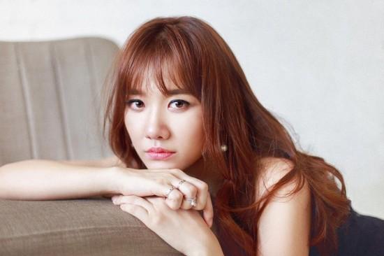 Hari-won chính là cô nàng chăm chỉ diện tóc mái thưa nhất